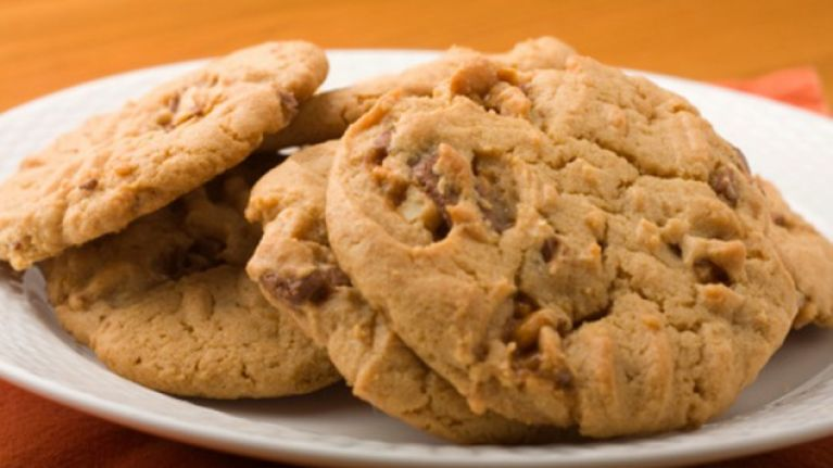 Cookies Claim to Increase Your Breast Size to a F-Cup