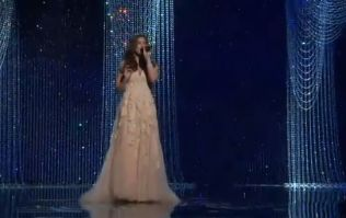 """Watch: Idina Menzel Belts Out Frozen's """"Let it Go"""" at the Oscars"""