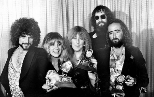 """""""Thunder Only Happens When It's Raining, Players Only Love You When They're Playing"""" - 10 Of The Greatest Fleetwood Mac Song Lyrics"""