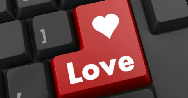 PIC: Man Challenges A Woman's Typing Speed On Her Dating Profile - Her Response Is Epic
