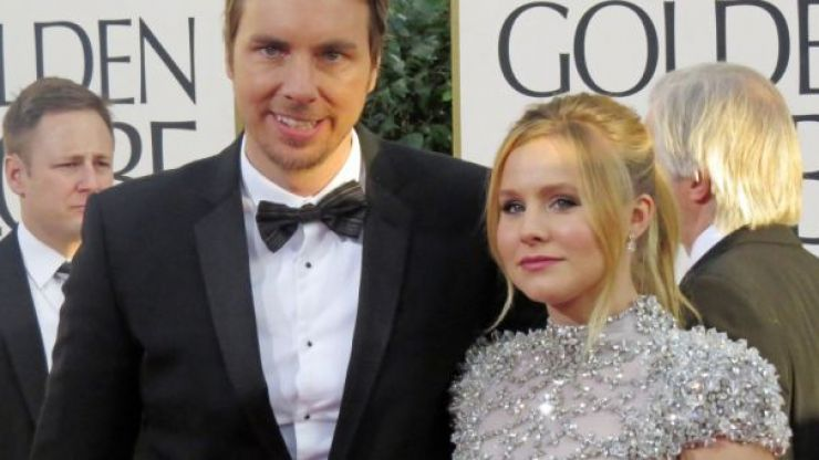 """Christmas Came Early"" - Kristen Bell and Dax Shepard Announce Baby News On Twitter"