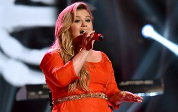 Kelly Clarkson was mistakenly told she had cancer on day of her first Grammys performance