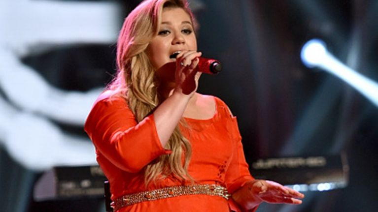 Kelly Clarkson Cancels Remainder of Tour Including Irish Date