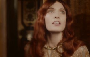 Florence Welch Apologises To Fans After Breaking Her Foot At Coachella