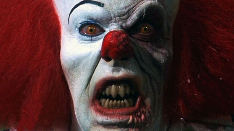will poulter cast as pennywise the clown in adaptation of stephen