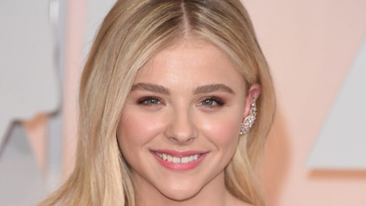 Wait, what? Turns out Chloe Grace Moretz worked as a waitress in Dublin