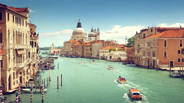 Venice to start charging tourists a fee to enter the city