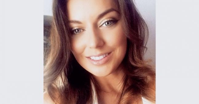 What's In My Beauty Bag - Blogger Amy Louise Tracey Shares Her Secrets