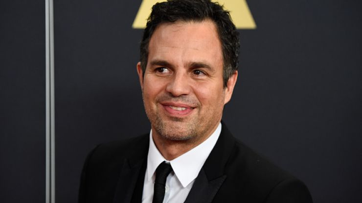 Mark Ruffalo Tweets His Award Acceptance Speech From Bed!