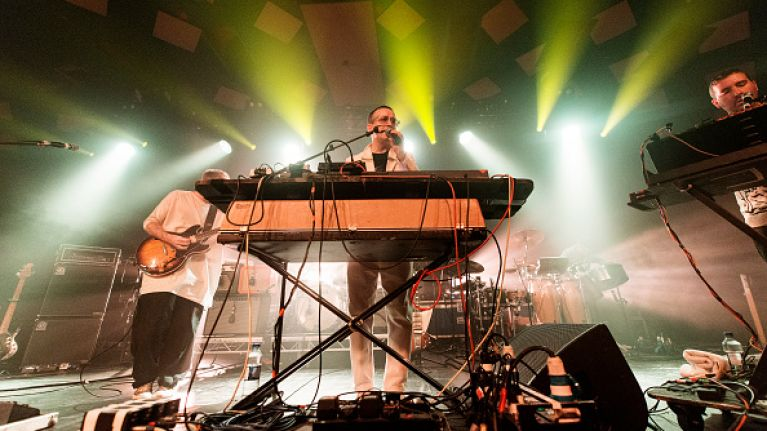 Video Hot Chip Cover Bruce Springsteen S Dancing In The Dark And