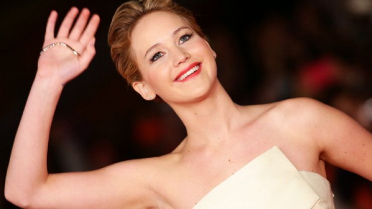 Our Hero - Jennifer Lawrence Eats Floor On The Red Carpet... Again