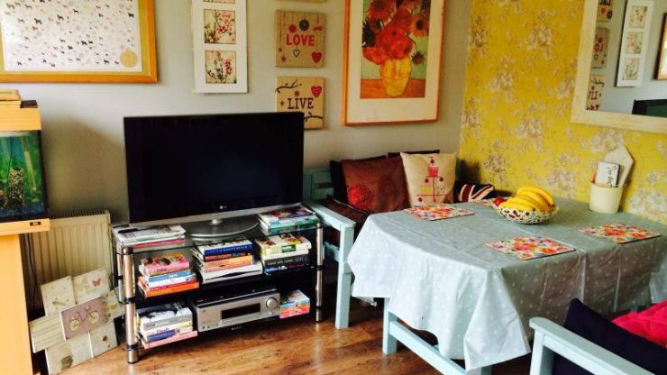 This London Flat Is Free to Rent… But Only Women Can Apply