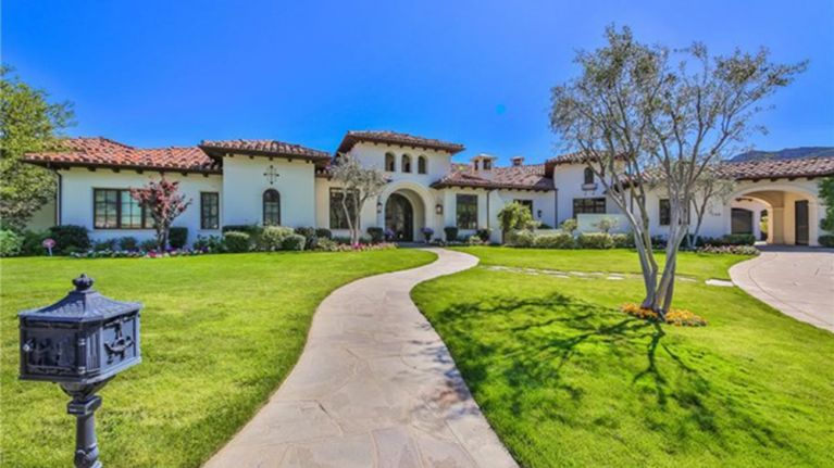 PICS - Feast Your Eyes On Britney Spears' $8 9 Million