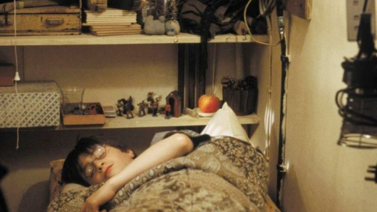 Harry Potter fans *might* love this tiny room for rent in London