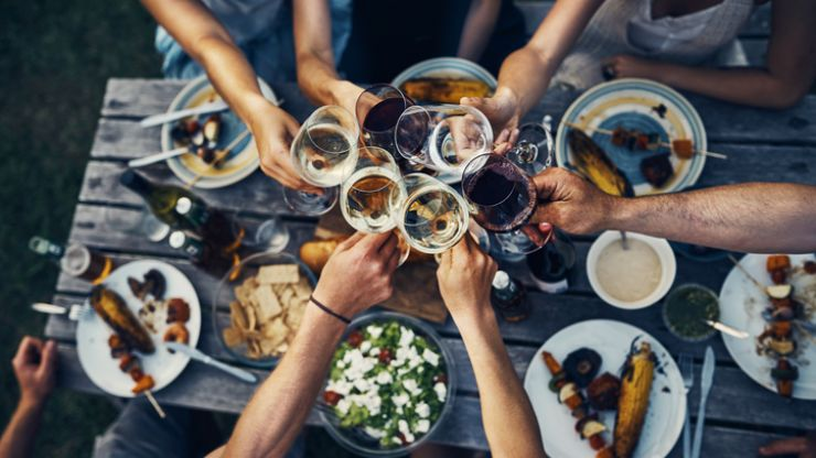 Should you eat before heading on a night out? Definitive answer: YES