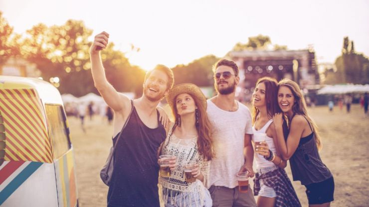 The five essentials you'll need for gorge hair at a festival