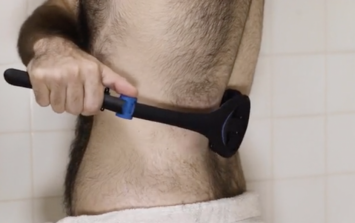 The internet is loving a new device that helps men shave their backs