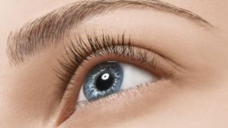 This Popular Beauty Hack Is Causing Peoples Eyebrow Hair To Fall