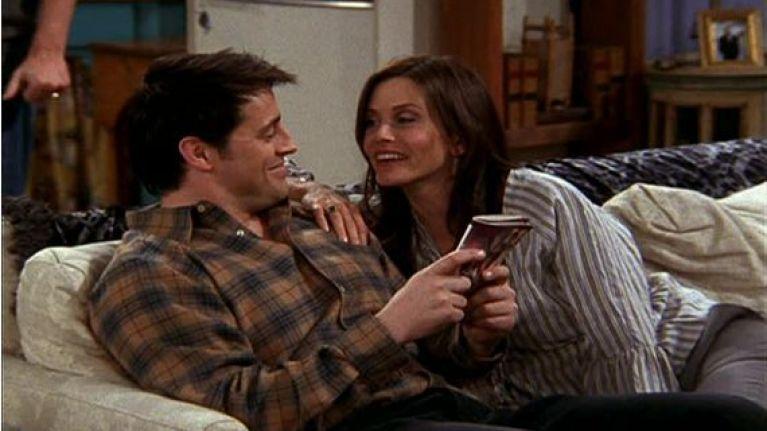 when do monica and joey get together