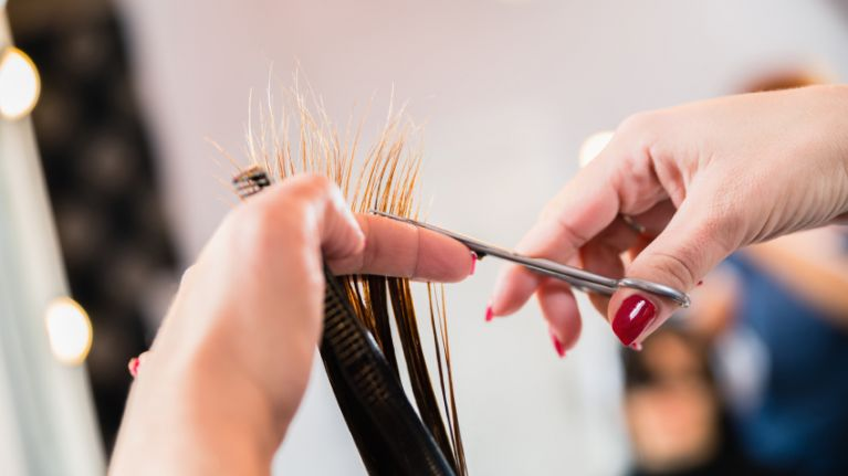The simple 3-second trick that will let you see if short hair will suit you