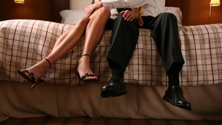 Relationship guru says these are the signs your partner is being unfaithful