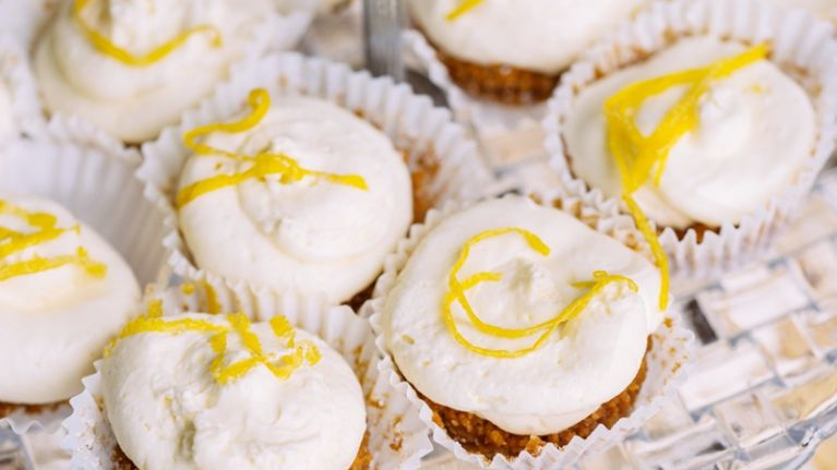 Gin and tonic cupcakes are here (and so is the weekend)