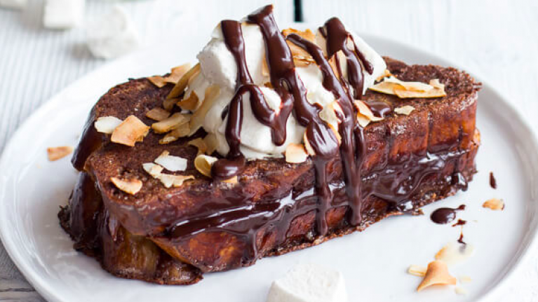 This easy to make hot chocolate french toast recipe is Sunday brunch goals