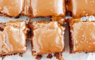 This is the most popular brownie recipe on Pinterest (and you'll see why)