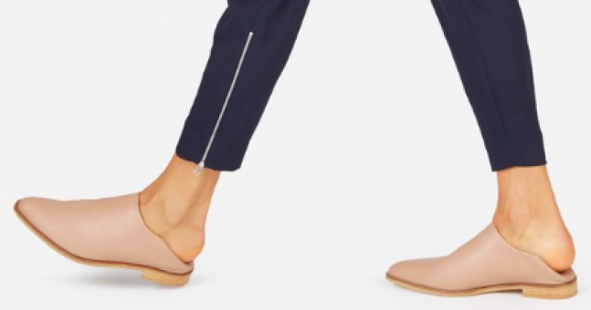 This new way of wearing shoes has us completely stumped