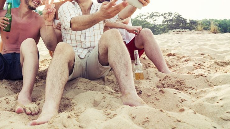 PIC: Irish fella on his stag learns the dangers of pre-wedding sunburn