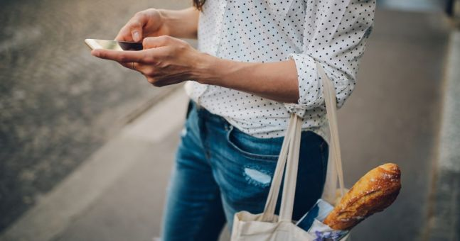 Shop smart: 4 shopping tips to help you save cash