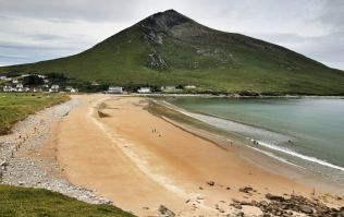 American tourist finds €50K of drugs washed up on a beach in Mayo