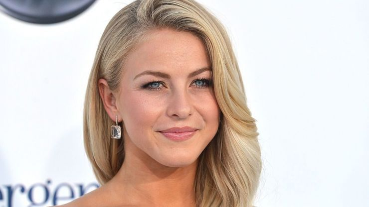 Julianne Hough got married yesterday and looked simply STUNNING