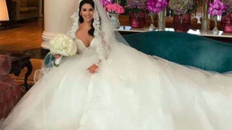 Wedding PARTY SoSueMe Changed Into A Second Bridal Gown Last Night