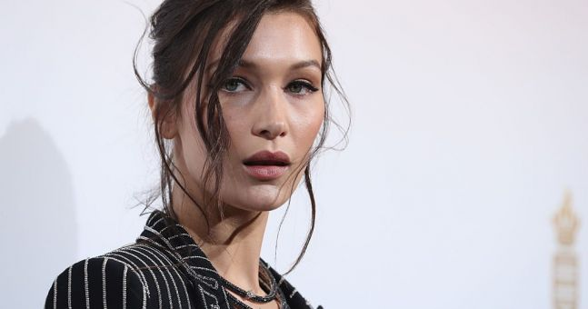 Bella Hadid steps in to defend female photographer from security guards