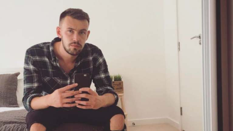 Guy sends Tinder match Powerpoint of first date ideas...and gets blocked