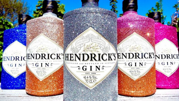 Glittery gin and prosecco bottles are here... and we just adore them