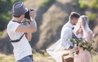 Wedding photographer shares the sign that hints a couple won't last