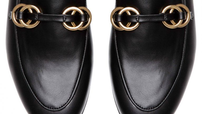 e0bebf7447c Search. Everyone is going mad for these €23 Gucci-inspired loafers from H M