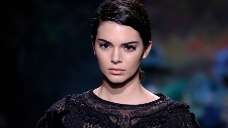 Twitter users are hating on Kendall Jenner because of this emoji