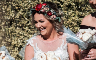 This bride had a bouquet of doughnuts for her wedding and it looked delish