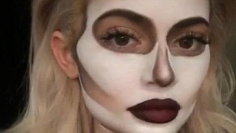Ah, here! A pregnant Kylie Jenner Halloween costume has hit the ...