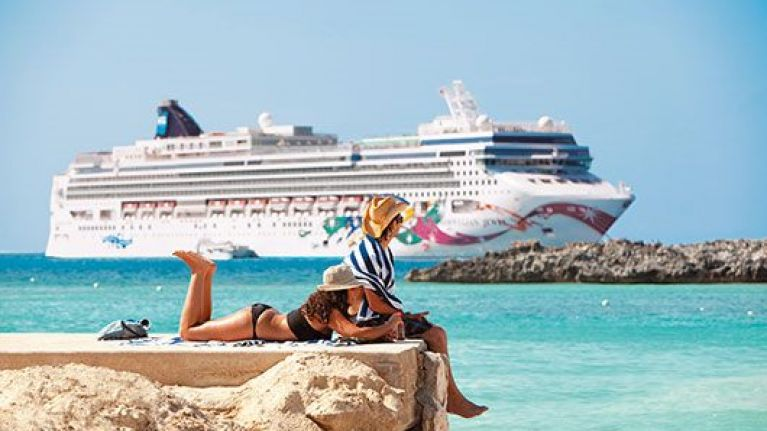 Dream Job Alert Get Paid To Holiday On A Cruise Ship Herie - What is it like working on a cruise ship