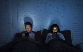 Study shows this phone habit will probably end a relationship
