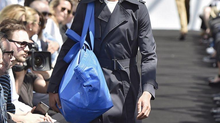 68d11060a023 Balenciaga have done it again... this time a €2 Ikea bag will keep ...