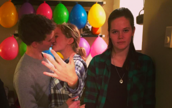 This girl's Instagram made us feel bad for third wheels everywhere