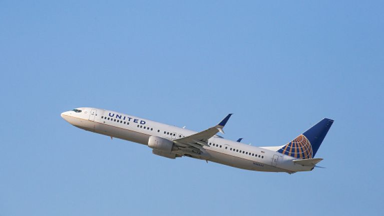832188c7868e73 US Airline bans teenage girls from flight... for wearing LEGGINGS ...