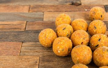 Here's a MUST TRY vegan mango energy ball recipe