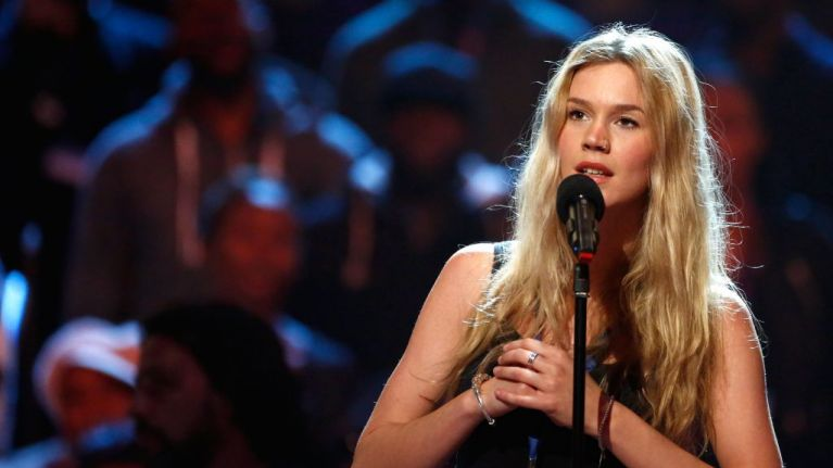 Joss Stone is back and she looks like a completely different person
