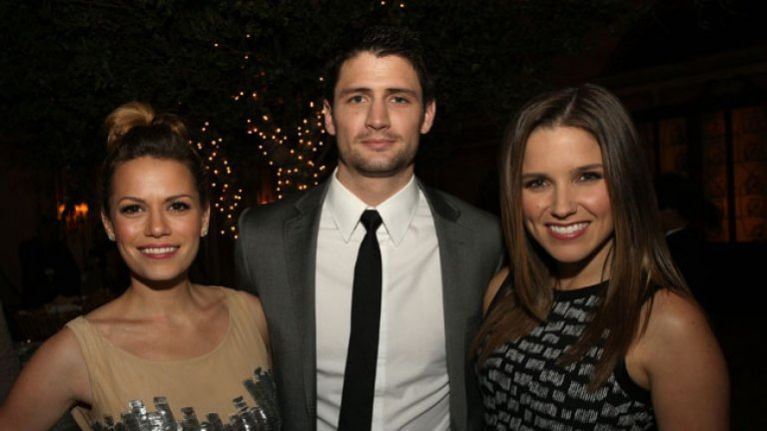 5c260613219 This One Tree Hill star just got a brand new role on Grey's Anatomy ...